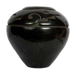 Spectacular Santa Clara carved blackware jar