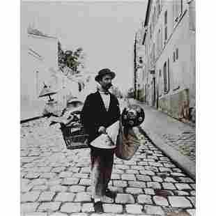 EUGENE ATGET - Marchand d'abat-jour, rue Lepic, 1899