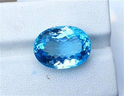 Topaz, 18.10 Carats Very Beautiful Natural Blue Swiss