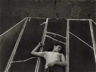 MANUEL ALVAREZ BRAVO - Skylight, 1938-40