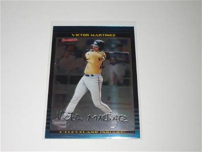 2002 BOWMAN CHROME VICTOR MARTINEZ ROOKIE CARD