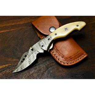 Camping hiking everyday damascus steel knife horn
