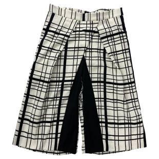 DO+BE Black and White Plaid Capri Pants, Size M