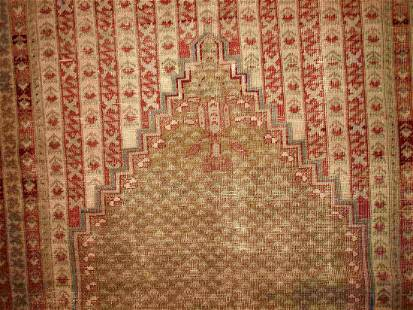 Handmade antique Turkish Ghurdes prayer rug 4.10' x