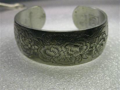 "Vintage Kirk Pewter Cuff Bracelet, Carnation Theme. 7"","