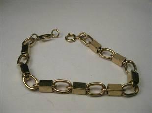 Vintage Gold Tone Liz Claiborne Box & Chunky Oval Link