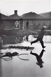 HENRI CARTIER-BRESSON - Behind the Gare, Paris, 1932