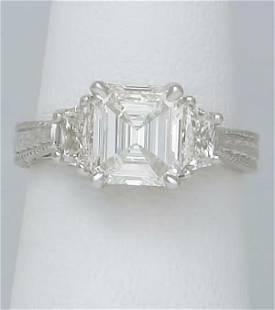 18k WHITE GOLD 2 1/4ct EMERALD & TRAPEZOID DIAMOND 3