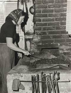 1965 VINTAGE PRESS PHOTO Mrs Louis BURKHARDT FEMALE