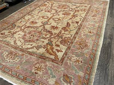 OUSHAK, ANGORA Circa MODERN Hand knotted with highest