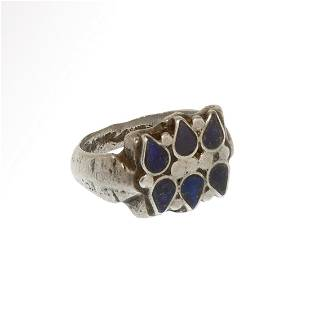 Medieval Silver Ring, Rosette set with Lapis Lazuli c.