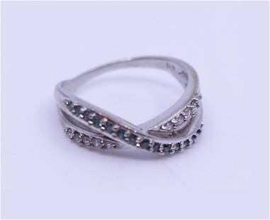 Decorative 9ct White Gold Ring