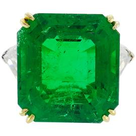 Vintage Harry Winston Emerald Diamond Platinum Ring