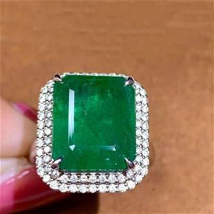 18K White Gold 8.86 ct VVD Emerald & Diamond Ring