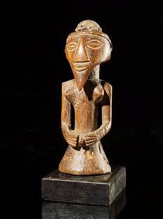 Wooden Statue with nice patina, Kusu People, DR Congo