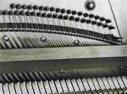 MANUEL ALVAREZ BRAVO - Pianola, 1932