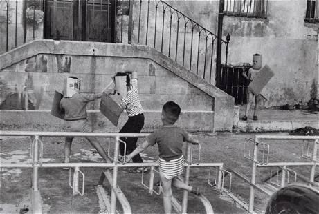 HENRI CARTIER-BRESSON - Children Playing, 1960