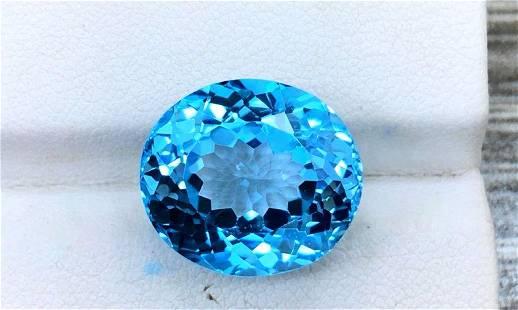 Topaz, 17.85 Carats Very Beautiful Natural Blue Swiss