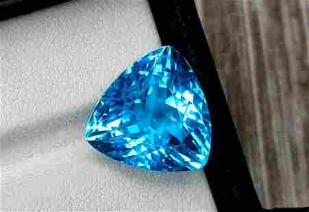 Topaz, 15.65 Carats Very Beautiful Natural Blue Swiss