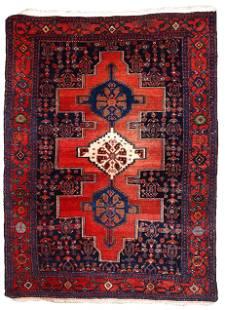 Handmade Modern Persian Senneh rug 3.9' x 5.5' (119cm x