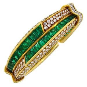 1990s Harry Winston Emerald Diamond Gold Bangle