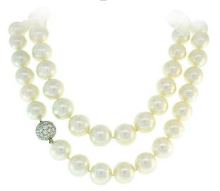 Tiffany & Co. Pearl Strand NECKLACE with Platinum