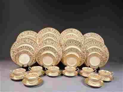 Wedgwood FLORENTINE GOLD Dinner set for 8 Salad Bread