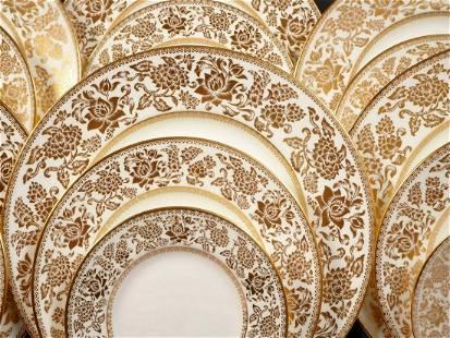 Wedgwood GOLD DAMASK Dinner set for 8 Gold Salad Bread