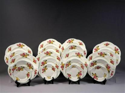 Shelley Begonia Dainty Shape DINNER set for 8 Gold