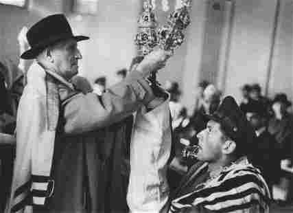 ROBERT CAPA - Berlin, 1945, Jewish New Year