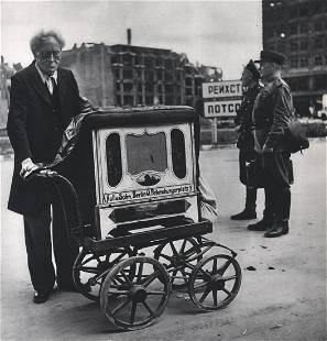 ROBERT CAPA - Berlin, 1945