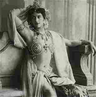 UNKNOWN - Mata Hari - World War I German Spy, 1910