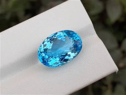 Topaz, 14.75 Carats Very Beautiful Natural Blue Swiss