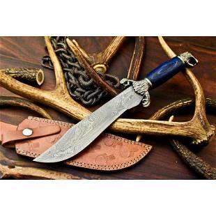 Exclusive pattern hunting damascus steel knife hardwood