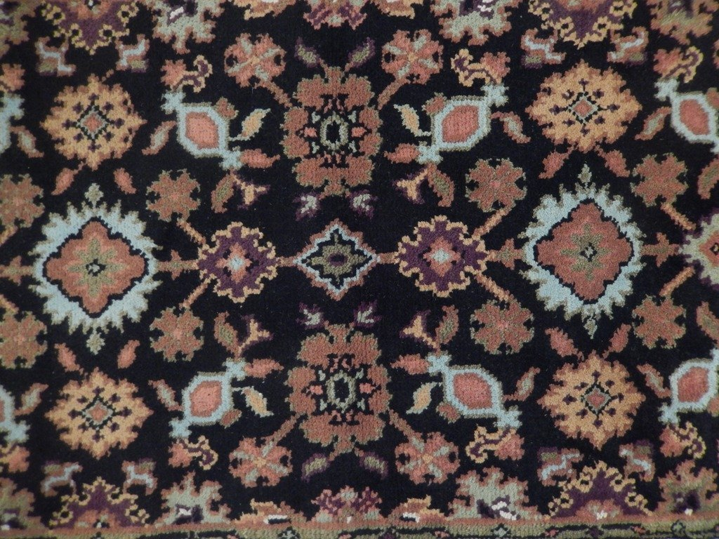 Mahal Wool Traditional Floral Design Rug, 4x6 - 4