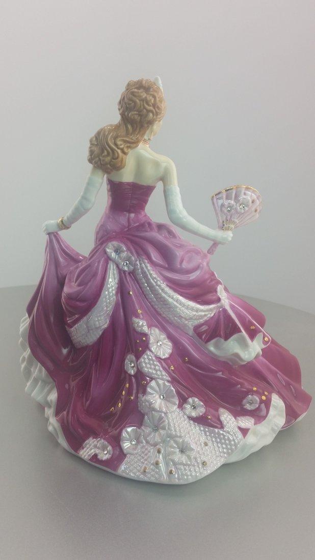 English Ladies Company Figurine: Sweet Romance - 2