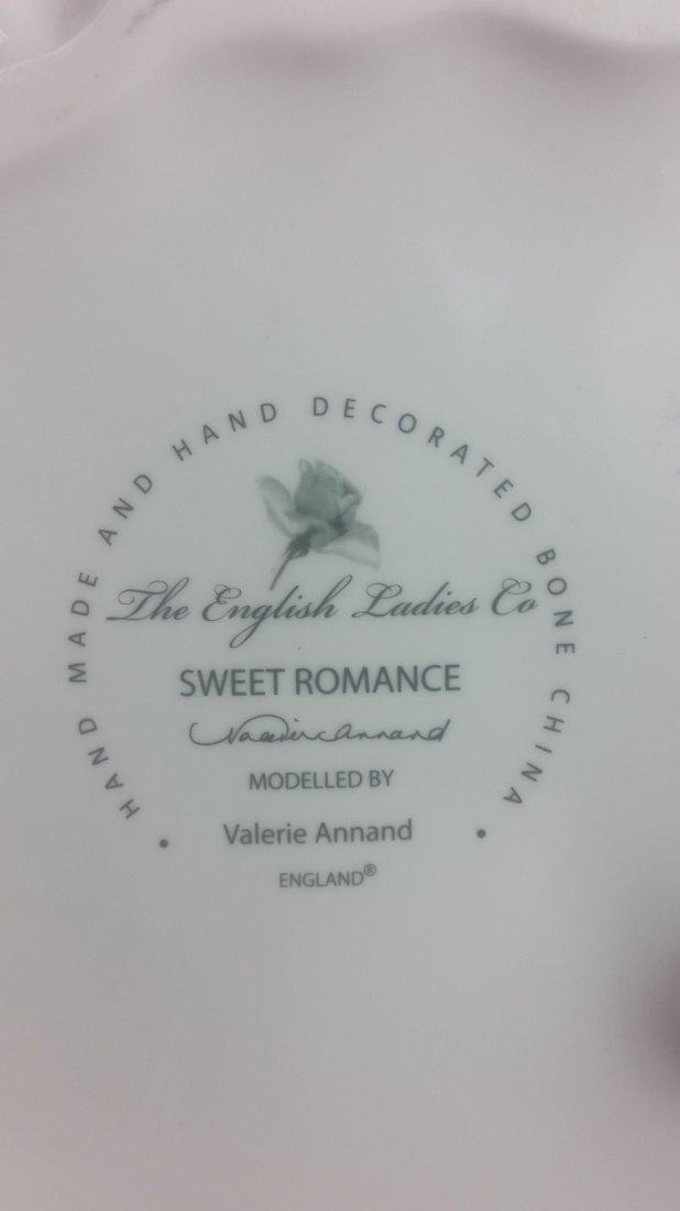 English Ladies Company Figurine: Sweet Romance - 3