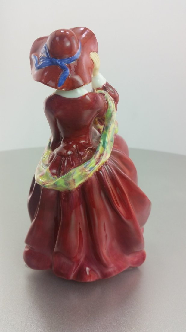 Royal Doulton Figurine: Top of the Hill - 2
