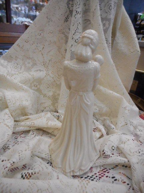 Lenox Figurine: China Jewels Woman with Baby - 3