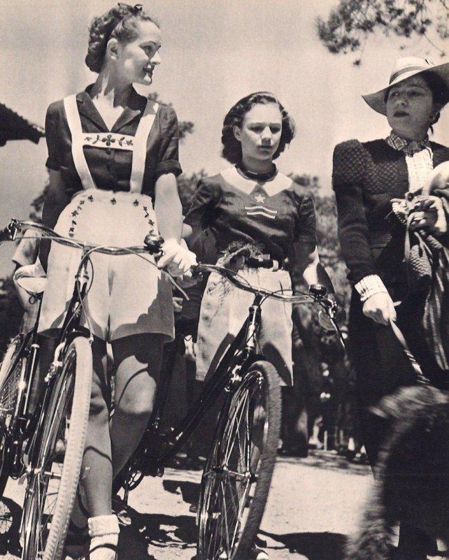 Brassai: Cyclists