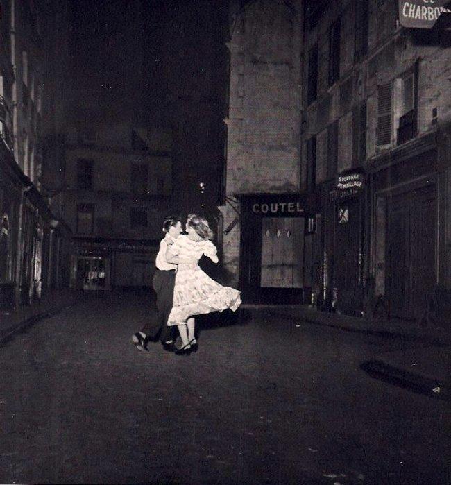 Robert Doisneau: Waltzing on Bastille Day