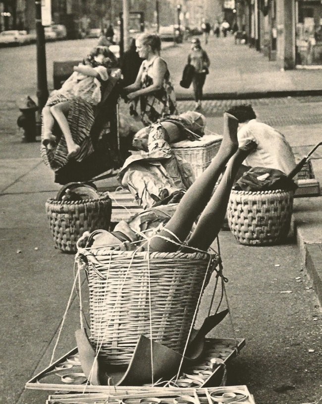 Andre Kertesz: Baskets, New York 1967