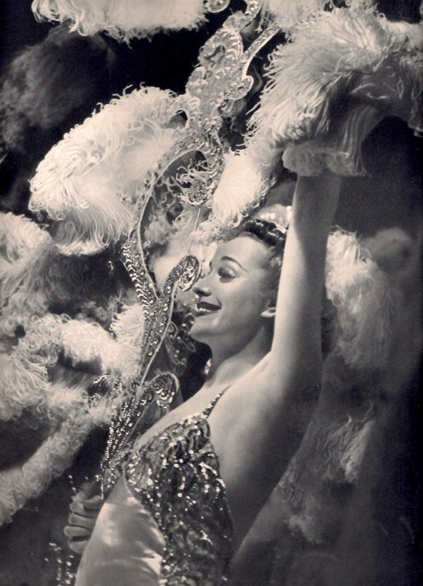 Yolla Niclas: Bal de Bijoux
