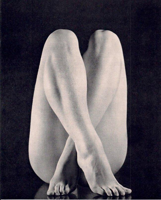 Vittorio Ronconi: Nude Crossed Legs