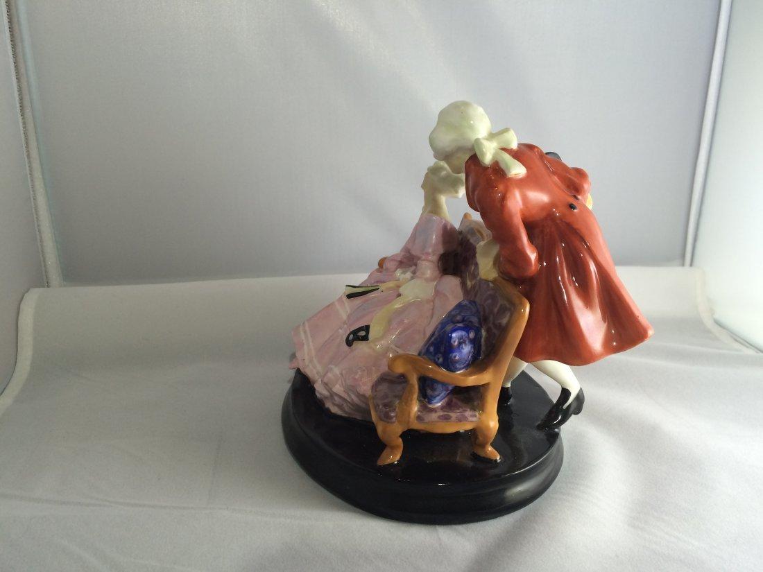 Royal Doulton Figurine: Tete-a-Tete - 4