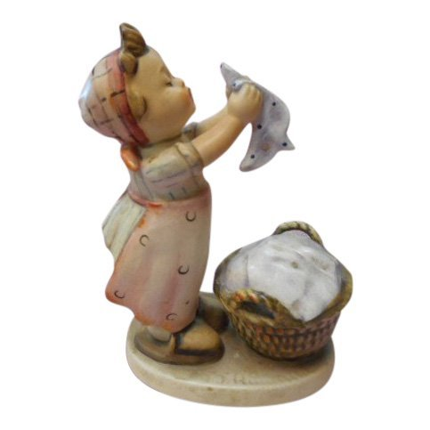 Hummel Figurine: Girl Washing Clothes