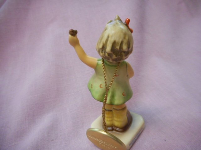 MI Hummel Club Figurine: Forever Yours - 2