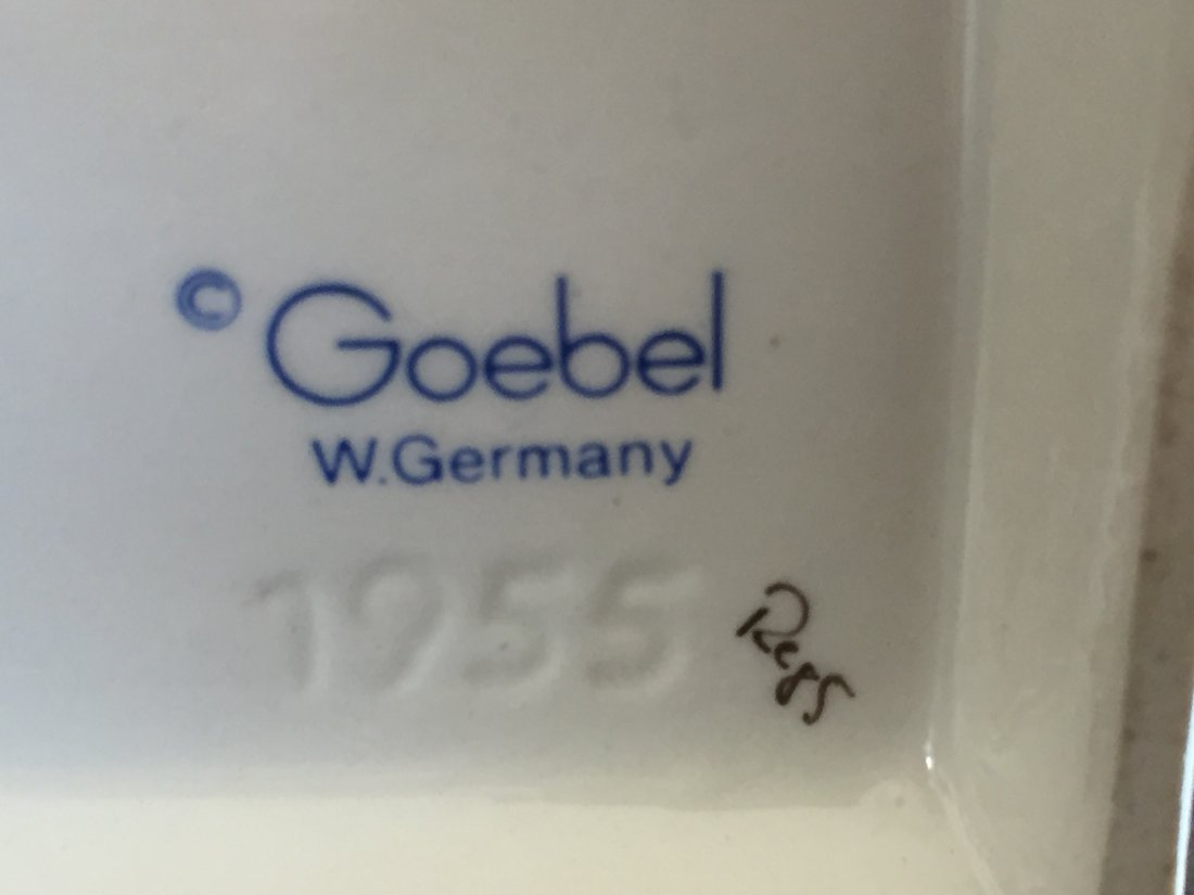 Goebel Figurine: Little Pharmacist, 1955 - 3