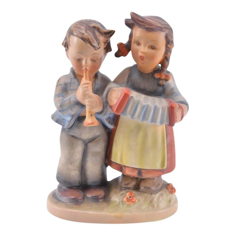 Hummel Figurine: Birthday Serenade