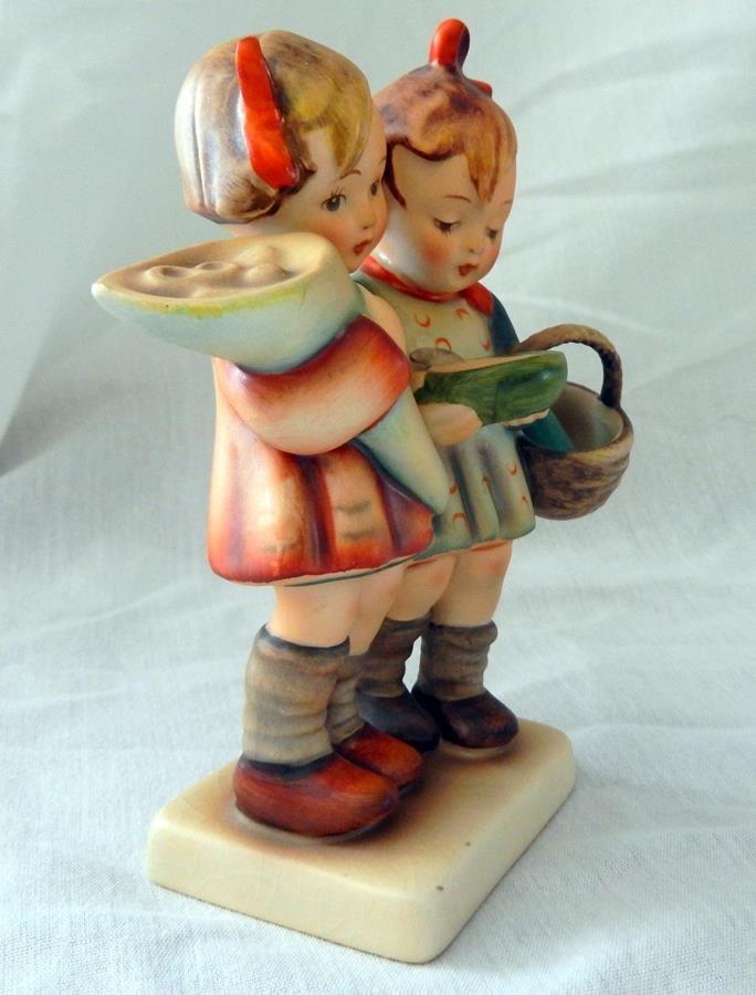 Hummel Figurine: Going To Grandma's - 3